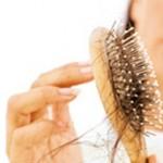 Solutions naturelles pour lutter contre la chute des cheveux