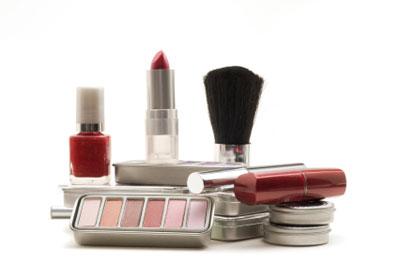 Les produits cosmétiques et les problèmes cutanés
