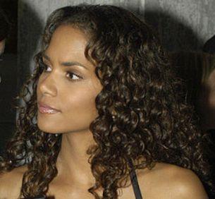Cheveux frisés ou crépus : Avoir des boucles bien définis au naturel